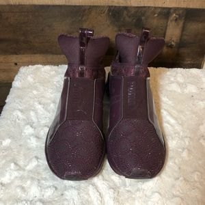 Kylie Jenner Pumas, size 8